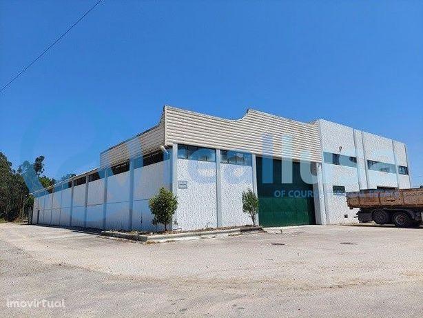 Armazém c/ 1 571 m², Aveiro, Oliveirinha, Excelentes condições de fina
