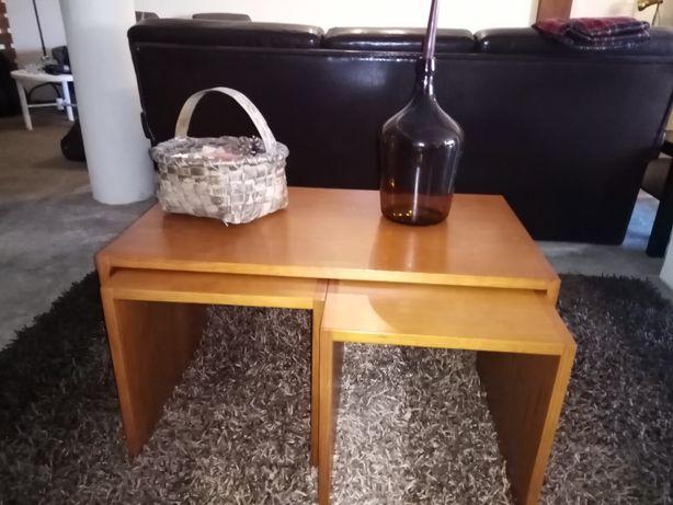 3 mesas de centro ou apoio de sala