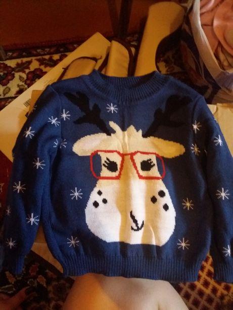 Продам детский свитер новогодний