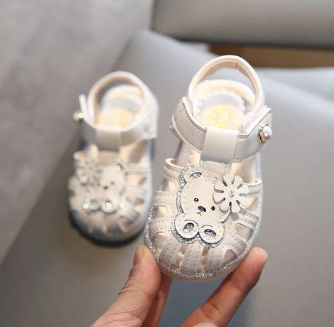 Новые босоножки сандалики 25 размер 16 см стелька