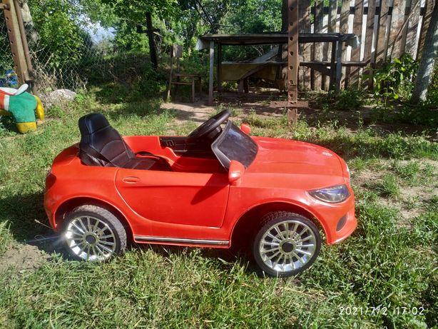 Отличный детский електромобиль