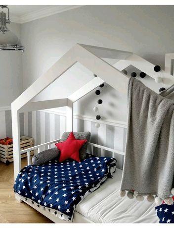 Łóżko drewniane domek