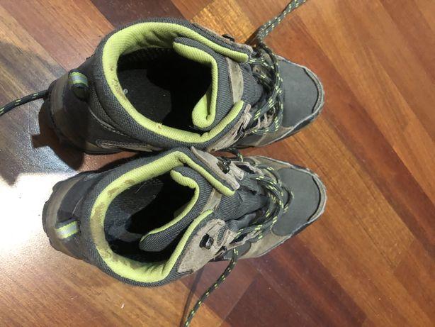 Botas caminhada