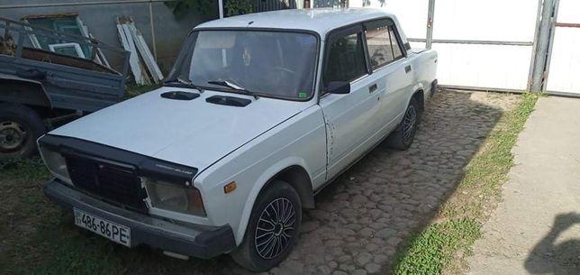 Машина ВАЗ 2107 в хорошем состоянии