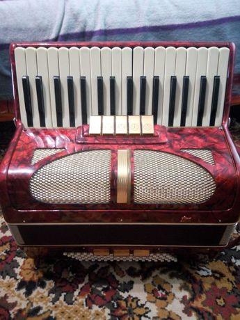 Акордеон Traviata (аккордеон) 2200грн. Дешево