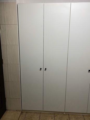 1 Duża szafa odzieżowa / gospodarcza