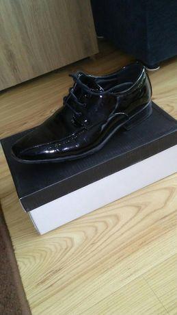Buty lakierki buty wizytowe buty do garnituru do komunii 35