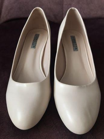 Туфлі 39 розмір ( нарядні, випускні)
