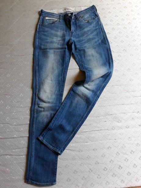 Jeansy firmowe