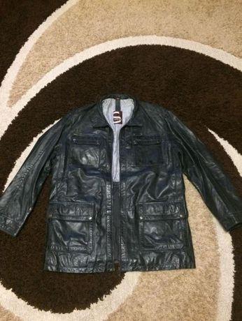 продам кожанную мужскую курточку