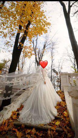Свадебное платье S-M