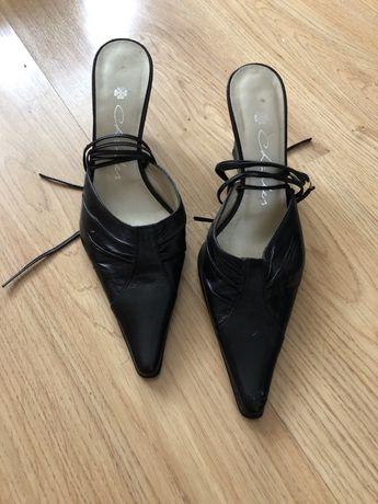 Sapatos Charles 35 - usados uma vez
