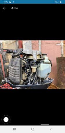 Продам лодочный двигатель ямаха 30 л с  автомиксм