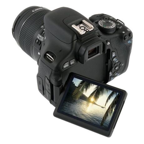 Зеркальный фотоапарат Canon 600D