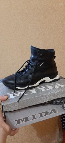 Кроссовки, ботинки 39р.