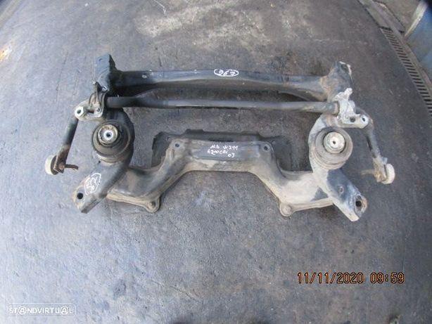 Charriot CHA567 mercedes / w211 / 2003 / e200cdi / frente / com barra /
