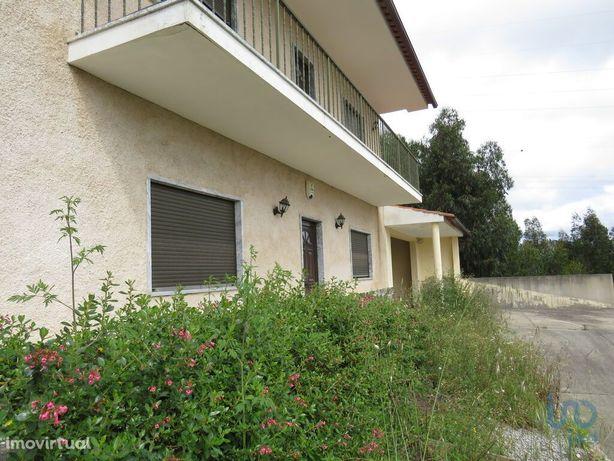 Moradia - 315 m² - T4