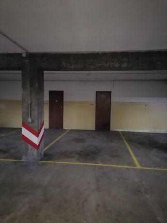 Lugar de Garagem Boa Vista / Julio Dinis / Bombarda - Porto