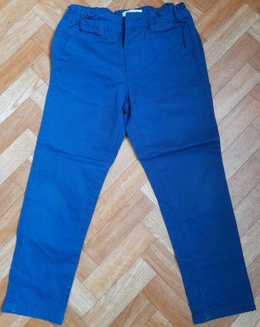 Spodnie galowe chłopięce r.122