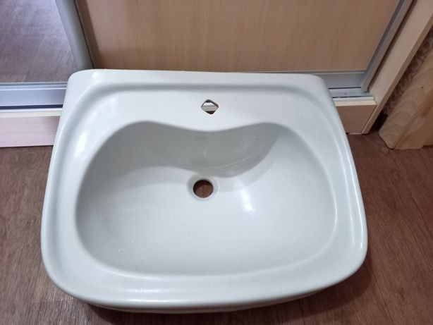 Продам раковину для ванной б/у в отличном состоянии