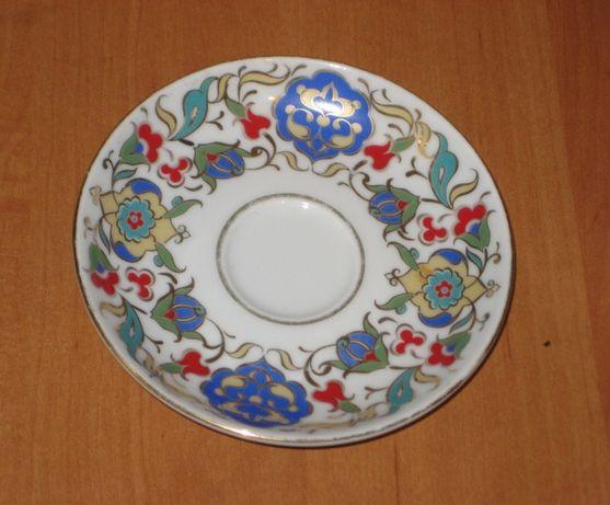 Блюдце. Турецкий фарфор Gural Porselen (Гюрал Порселен)
