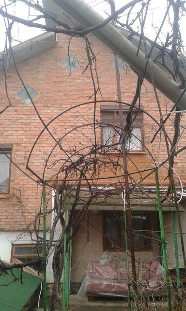 продается дом в Амвросиевке, по ул. Первомайская.