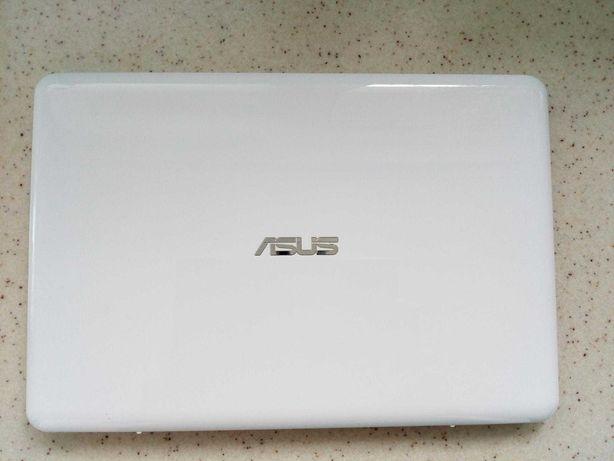 Продам ноутбук Asus Vivobook E200HA-FD0041 TS White 25000руб