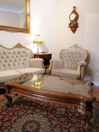 Mesa de centro (apoio ou cabeceira, de frente sofá) D. José / Luís XV
