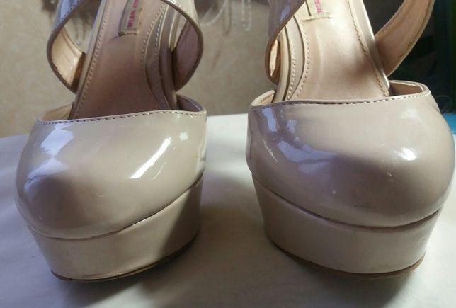 Неудобные Туфли на каблучищах 13 см