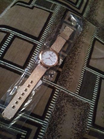 Женские часы, наручные