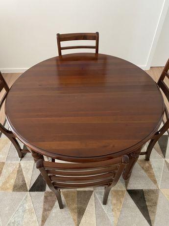Mesa sala de jantar e 6 cadeiras em Cerejeira