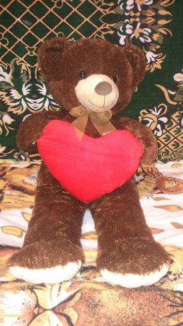Продам плюшевого медвежонка рост 75 см