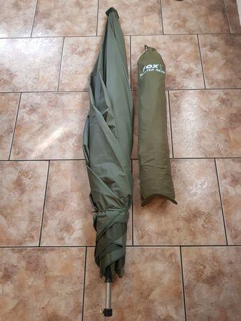 Guarda-chuva com cobertura