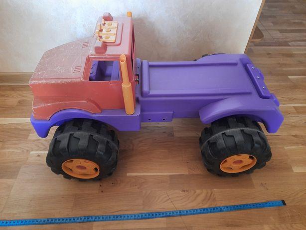 Машинка для улицы. Для ребёнка 1-2лет.