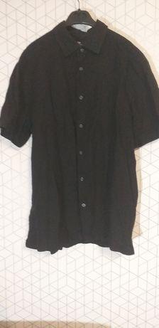 Czarna koszula z krótkim rękawem