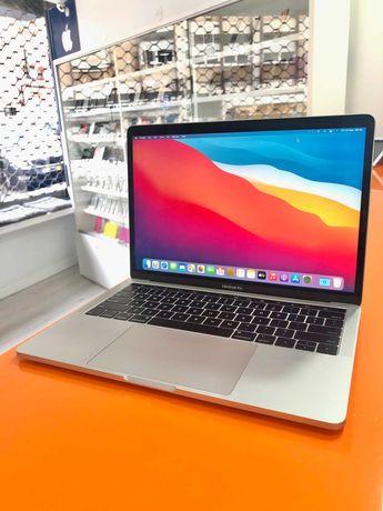 "Macbook Pro Touch Bar 13"" 2019 i5 8GB RAM 128GB SSD Prateado B"