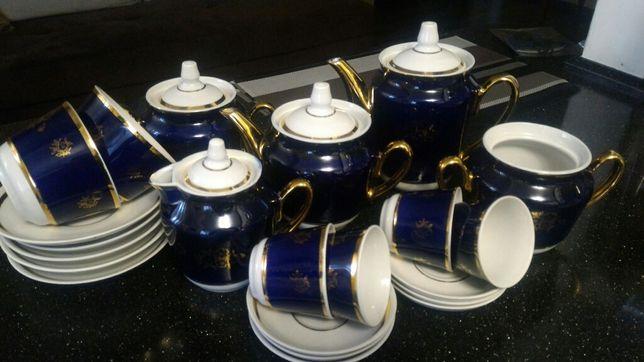 Продам набор как для чая так и для кофе .