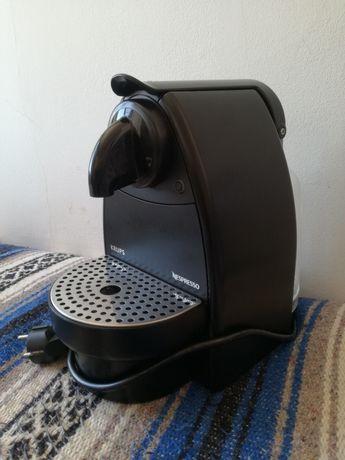 Máq de café Nespresso Krups XN2003 p/Arranjo- peças