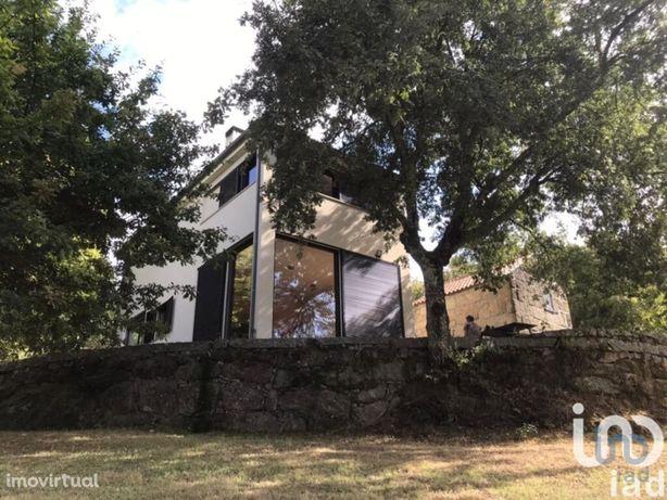 Moradia - 136 m² - T2