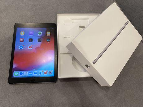 Планшет Apple iPad 6th gen 32 GB 2018