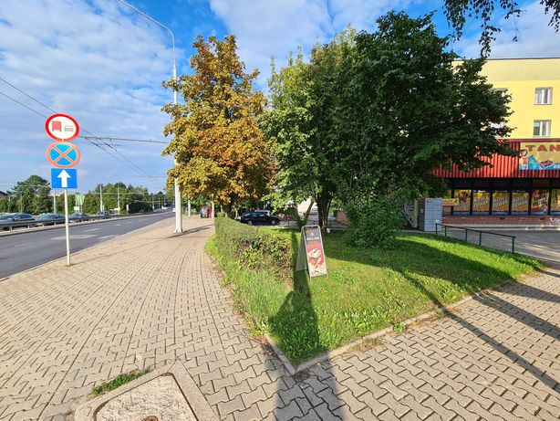 Lokal 90m2 na sklep, usługi, gabinety lekarskie-Al. Kraśnicka