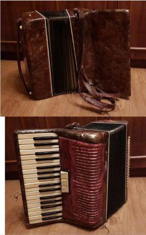 Аккордеон Пионер + самоучитель по игре на аккордеоне в подарок