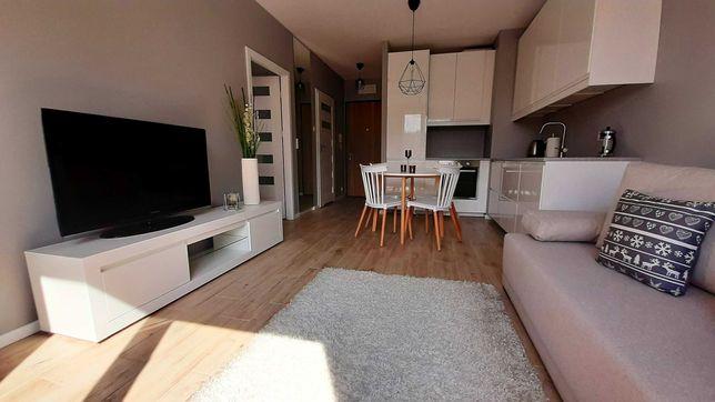 Wynajmę przestronne dwupokojowe mieszkanie w pobliżu stacji SKM/KM