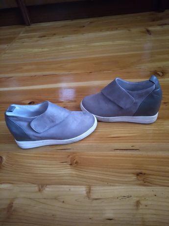 Демісезонні черевички. 150 грн.