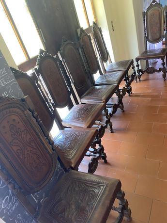 7 cadeiras em Madeira pura e pele