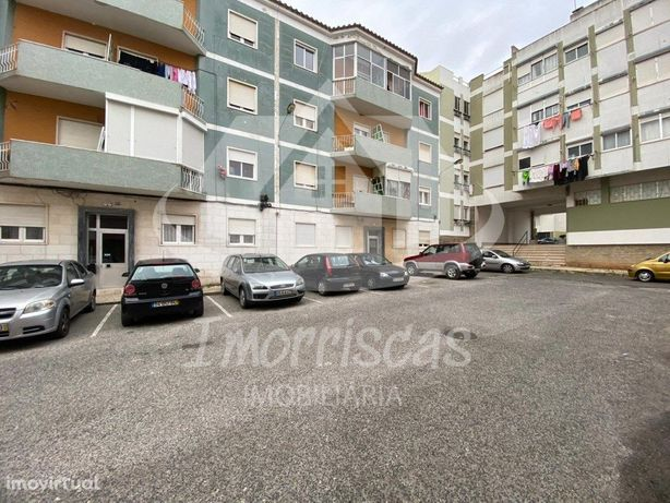 Apartamento T2 c/ 65m2, para remodelação em Vialonga