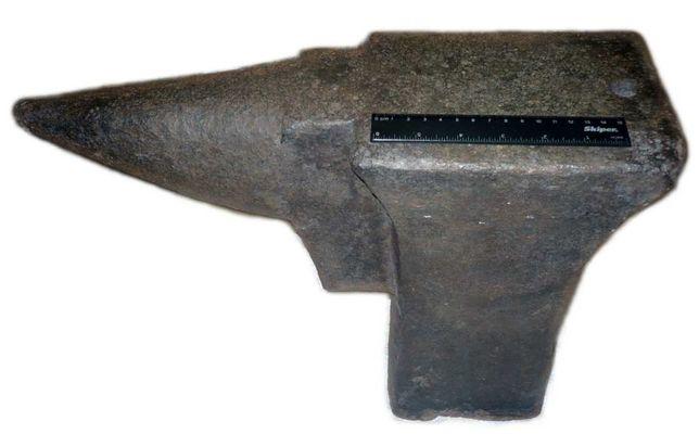 Наковальня старинная 56 кг, тиски кузнечные / ковадло старовинне 56 кг