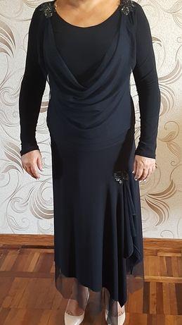Нарядный женский костюм в отличном состоянии!!!