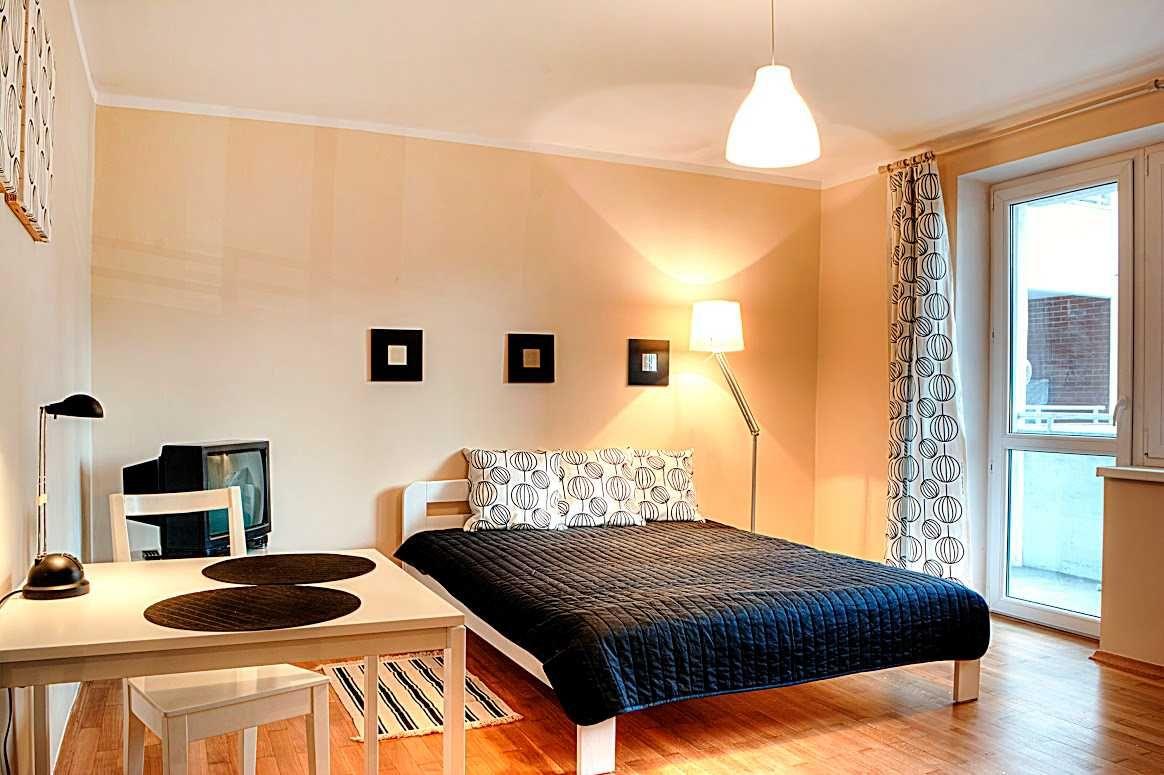 Trzypokojowe mieszkanie z balkonem i parkingiem | Mogilska 19