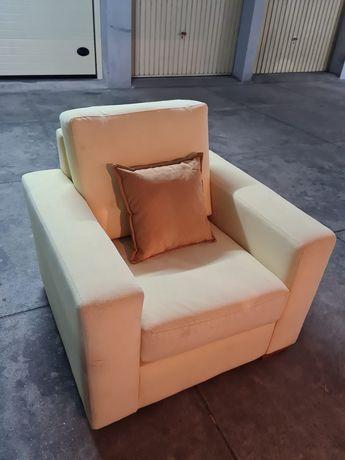 Vendo sofa individual bege